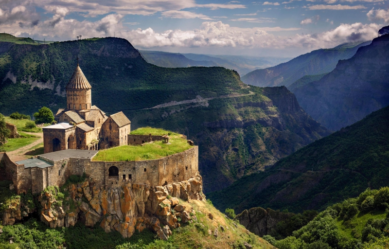 ARMENIA Antichi monasteri